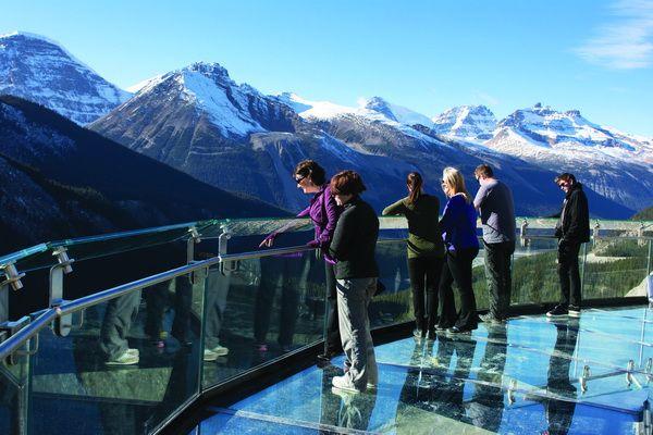 lối đi bộ trên không Glacier skywalk